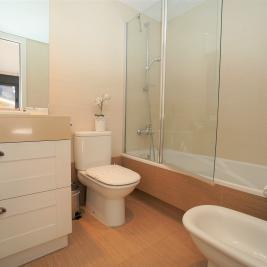 Baño habitación principal Apartaments Superior El Tarter Andorra