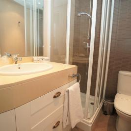Baño con ducha Apartaments Superior El Tarter Andorra