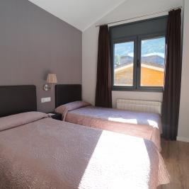 Habitación doble con dos camas Apartaments Superior El Tarter Andorra